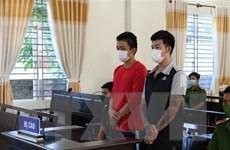 Phạt tù 2 thanh niên trốn khai báo y tế, tấn công lực lượng công an
