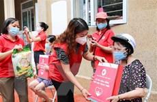 Hội Chữ thập Đỏ Hà Nội hỗ trợ người dân bị ảnh hưởng bởi dịch COVID-19