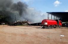 Bình Phước: Cháy lớn thiêu rụi xưởng sản xuất chuối và 2 dãy nhà trọ