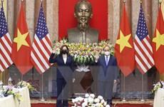 Chủ tịch nước Nguyễn Xuân Phúc tiếp Phó Tổng thống Hoa Kỳ Harris