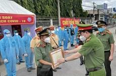 Trao bằng khen của Thủ tướng tặng cán bộ, chiến sỹ Công an Đồng Nai