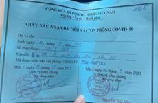 Khoe tiêm Pfizer nhờ 'xin ông anh': Đình chỉ Phó Chủ tịch phường