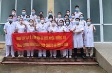 Đoàn y tế Hà Nội 'chia lửa' với Hà Nam, hỗ trợ chống dịch COVID-19