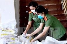 Cần Thơ: Trao tặng 2.000 phần quà tiếp sức cho phụ nữ, trẻ em