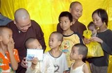 Chuyển người được nuôi dưỡng ở chùa Bồ Đề vào trung tâm bảo trợ
