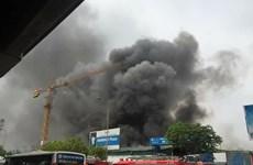 [Photo] Cận cảnh đám cháy dữ dội ngay gần khu vực tòa nhà Keangnam