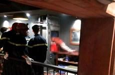 Hà Nội: Kẹt đầu trong thang đưa thức ăn, nam thanh niên tử vong