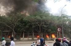 Hà Nội: Đang cháy cực lớn ở chợ Quang, Thanh Liệt
