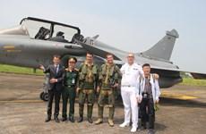 Đội hình bay đặc biệt của Không quân Pháp tới Việt Nam