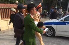 Hà Nội: Cảnh sát giao thông giải cứu người phụ nữ bị cướp khống chế
