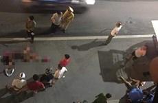 Hà Nội: Xe Mercedes tông tử vong 2 người phụ nữ rồi bỏ chạy