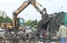 Hà Nội: Khắc phục tình trạng rác thải 'bủa vây' xế hộp