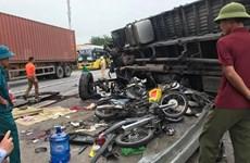 [Photo] Hiện trường vụ lật xe tải trên Quốc lộ khiến 5 người tử vong