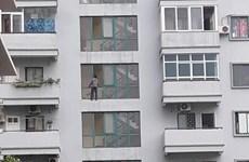 Hà Nội: Một người đàn ông rơi từ tầng 6 xuống đất tử vong