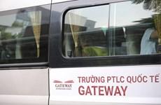 Nhân viên quản lý Gateway không kiểm tra số lượng học sinh rời xe?