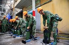 Bắt đầu quá trình xử lý khử độc tại kho cháy của Rạng Đông