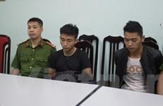 [Photo] Cận cảnh di lý hai nghi phạm sát hại nam sinh 18 tuổi lái Grab