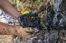 Khắc phục sự cố dầu bẩn ảnh hưởng nguồn nước sạch: Lo ngọn, bỏ gốc?