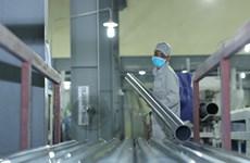Chuyên gia cảnh báo tác hại của ống nhựa trôi nổi, không đảm bảo