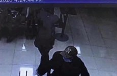 Nghi phạm cướp ngân hàng Techcombank tại Hà Nội đã ra đầu thú