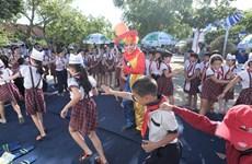 Vinamilk tiếp tục trao 64.000 ly sữa cho trẻ em tỉnh Bình Định