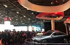 "Video hai "" Ngôi sao mới"" thu hút khách tham quan tại Paris Motor Show"