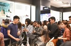 """""""Mê cung ưu đãi"""" tại 2.500 gian hàng ở Vincom Black Friday 2018"""
