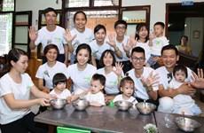 Tài trợ 1 triệu hộp Nutrilite Little Bits cho trẻ em Nghệ An, Hà Giang