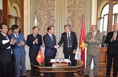 Con tem về tướng Giáp nhân 20 năm quan hệ VN-Uruguay