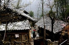 Tuyết rơi trên diện rộng phủ trắng Cao nguyên đá Đồng Văn