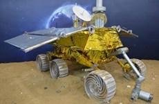 Robot tự hành của Trung Quốc trên Mặt Trăng hoạt động lại