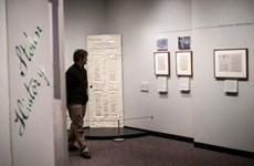 Triển lãm chữ ký của hơn 100 nhân vật nổi tiếng