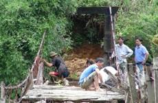 Lai Châu khẩn trương làm cầu treo tạm cho dân bản Chu Va 6