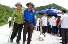 Hàng vạn du khách thăm viếng nơi an nghỉ của Đại Tướng