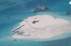 Philippines công bố ảnh Trung Quốc cải tạo đất ở Biển Đông