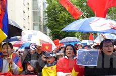 Kiều bào Áo tuần hành: Việt Nam chưa bao giờ đơn độc