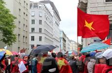 Người Việt tại Áo tuần hành rầm rộ phản đối Trung Quốc