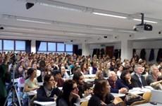 Đa số sinh viên Italy ủng hộ chính phủ bỏ kỳ thi đại học