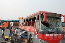 Hải Phòng: Xe container húc ngang xe khách, 40 người bị thương