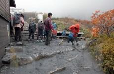 Nhật Bản: Bốn người leo núi tử vong do núi lửa phun trào
