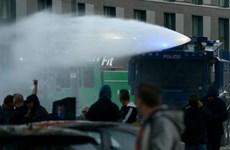 Đụng độ người biểu tình quá khích, 13 cảnh sát Đức bị thương