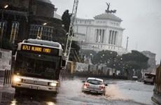Chính quyền Italy báo động đỏ ở Rome và 8 vùng vì thời tiết xấu