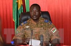 Burkina Faso: Lãnh đạo lâm thời từ chối chuyển giao quyền lực