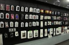 TP.HCM: Hàng chục ngàn phụ kiện điện thoại không rõ nguồn gốc