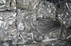 Nhập lậu sắt thép phế liệu, hai người bị phạt hơn 100 triệu đồng