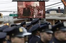 Cảnh sát New York quay lưng với Thị trưởng trong tang lễ đồng nghiệp