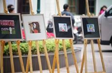 Lần đầu tiên triển lãm tranh minh họa trên Báo Nhân dân
