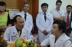 Bộ trưởng Bộ Y tế, lãnh đạo TP. HCM thăm và chúc Tết các đơn vị