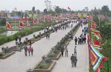 Di tích đền Trần ở Thái Bình nườm nượp trước ngày khai hội
