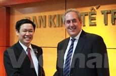 Trưởng Ban Kinh tế Trung ương làm việc với Đại diện Thương mại Mỹ